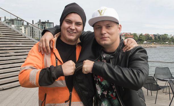 Markus ja Dani tsemppasivat toisiaan Temppareissa.