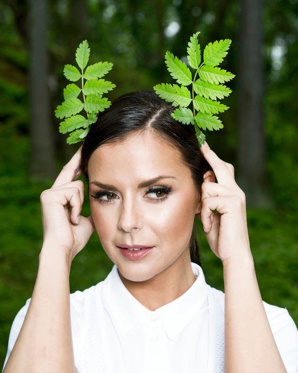 Viime kesänä Iltalehti vei Satun metsään kuvauksiin.