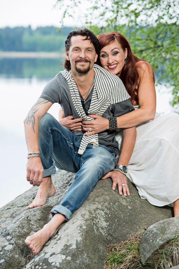 Saija ja Tero Iltalehden kuvauksissa kesällä 2014.