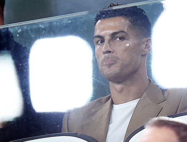 Cristiano Ronaldo yrittää asianajaja-armeijansa avulla kumota yhdysvaltalaisnaisen raiskaussyytökset.