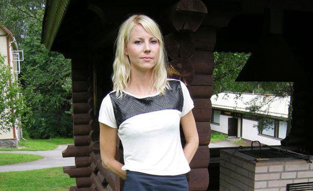 Torstaina oikeudenkäynti alkoi Jessikka Aron kuulemisella.