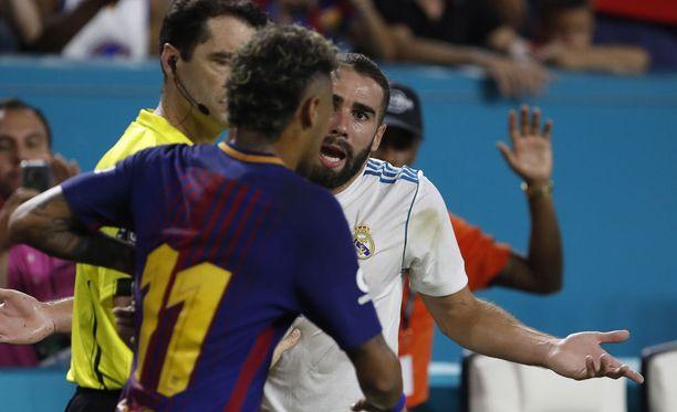 El Clasico ei ole koskaan pelkkä harjoituspeli. Neymar ja Dani Carvajal kävivät kuumina toisilleen.