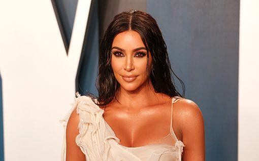 Kim Kardashianin alusvaatebrändi mukaan olympialaisiin – kisoilla merkitys myös tähden yksityiselämässä