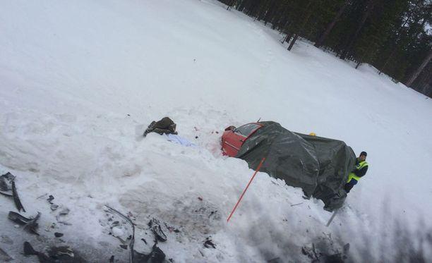 Kolme opiskelijaa kuoli kolarissa Ivalossa lauantaina.