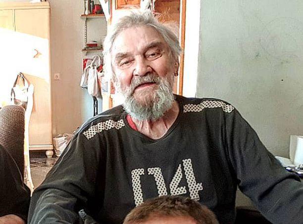 Jukka Virtanen täytti viime kesänä 85 vuotta. Häntä on piinannut lukuisat sairaudet, mutta tällä hetkellä Jukka voi todella hyvin.