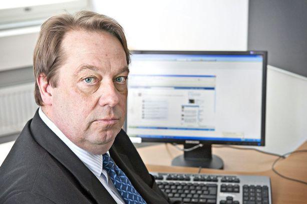 Kansanedustaja Mika Raatikainen haluaa salakatselijat nykyistä paremmin rikosvastuuseen.
