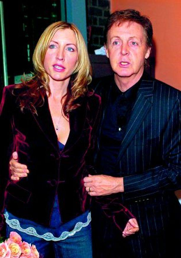 Heather Mills leimaa roskapuheeksi väitteet hänen ja Paul McCartneyn liiton kriisistä.