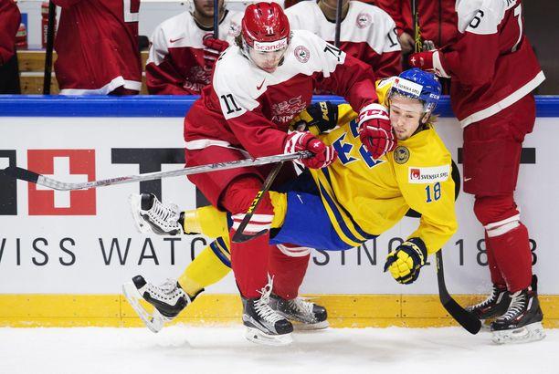 Kristian Jensen (11) on pelannut useita otteluita Tanskan A-maajoukkueessa. Kuva alle 20-vuotiaiden MM-kisoista Helsingistä joulukuulta 2015.