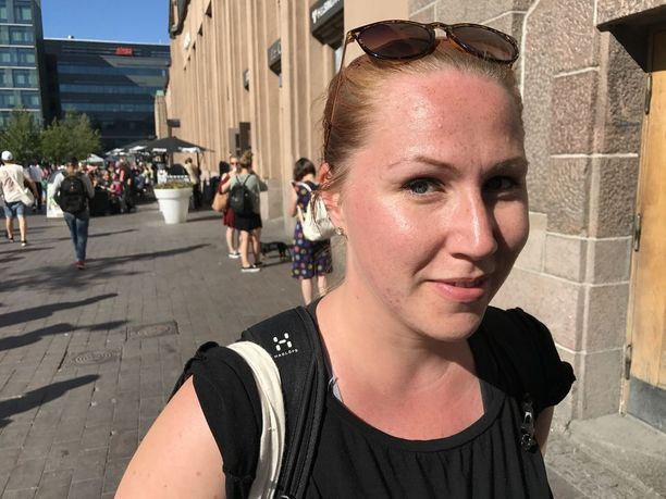 Sini Laine, 31, ei oikein osaa sanoa mielipidettään mielenilmauksesta, sillä ei ole kunnolla perehtynyt Veturimiesten liiton perusteisiin.