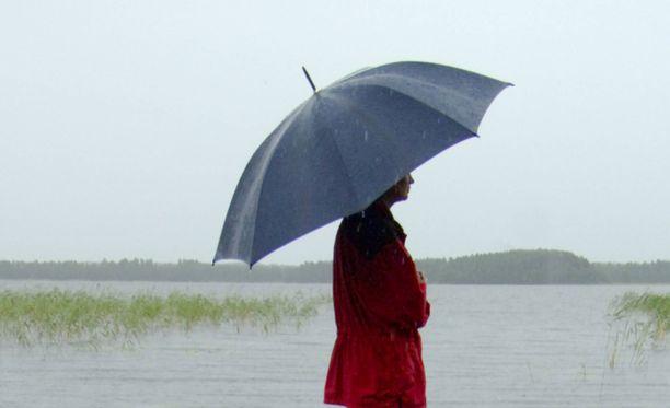 Lauantaina Keski- ja Pohjois-Suomessa saadaan kohtalaista sadetta, kertoo Ilmatieteen laitos.