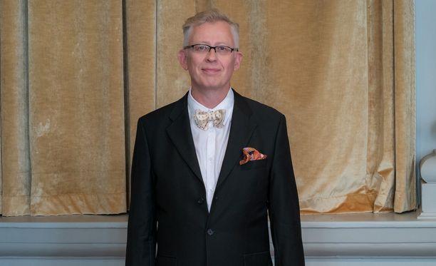 Pekka Pouta joutunee kurottelemaan ison sääkartan edessä uudistusten myötä.