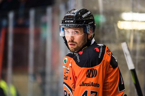 Janne Lahti joutuu lopettamaan uransa.