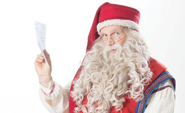 Joulupukilla on taas apunaan koko joukko tonttuja.