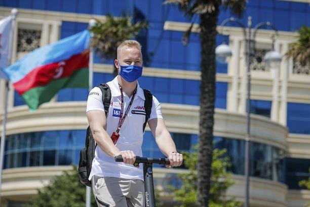 Nikita Mazepin oli neljästoista Bakussa ajetussa kilpailussa.
