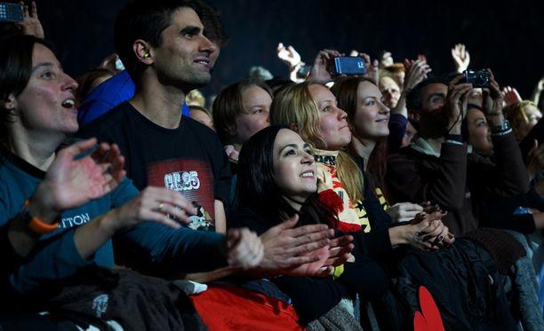 Konsertiin saapui faneja ympäri maailman