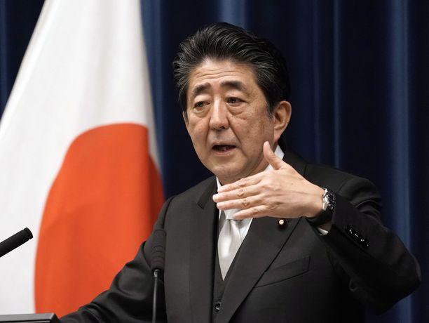 Japanin pääministeri Shinzo Abe kuvattuna tiedotustilaisuudessa vuonna 2019.