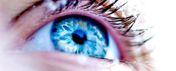 Piilota väsymyksen merkit silmistä helpoilla vinkeillä.
