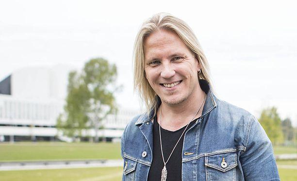 Sami Kuronen hehkuttaa isän onneaan.
