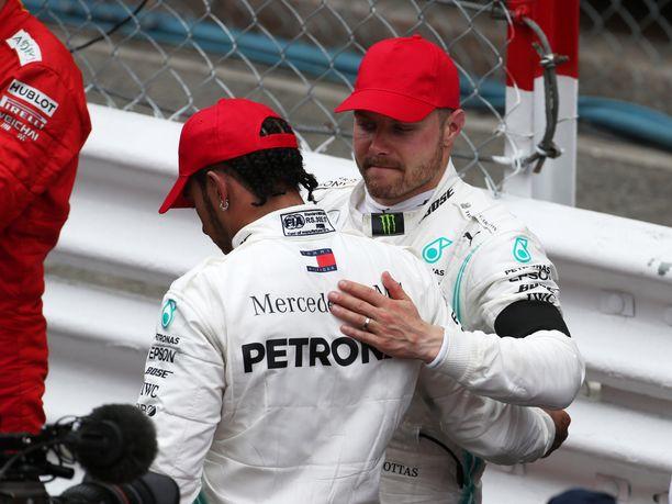 Lewis Hamilton voitti Monacon GP:n. Tallikaveri Valtteri Bottas oli kolmas.