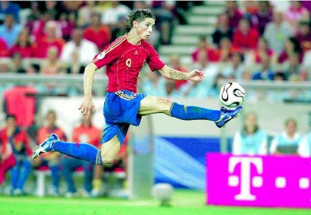 TÄHTI Nuori espanjalaishyökkääjä Fernando Torres on tehnyt vaikutuksen Aki Riihilahteen.