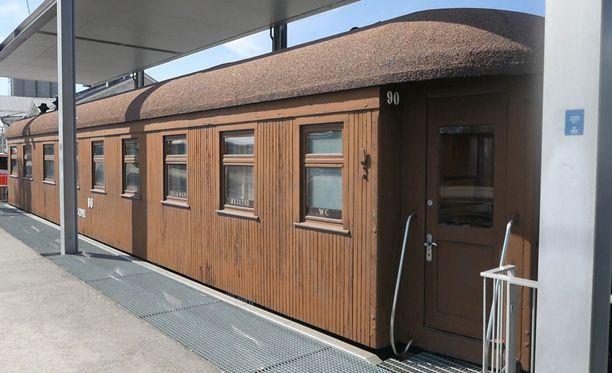 Mannerheimin käyttämä salonkivaunu on ollut 25 vuotta Mikkelin rautatieasemalla.