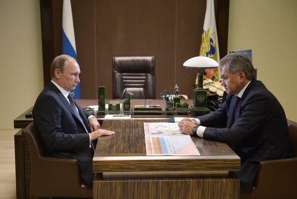 Putin ja Shoigu neuvottelivat Sotshissa lokakuussa.