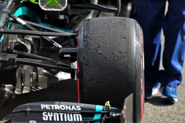 Mersut söivät renkaita Silverstonessa.