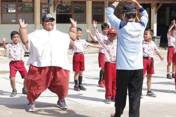 Permana on nyt tiukalla ruokavaliolla ja urheilee laihtuakseen normaalipainoiseksi lapseksi.