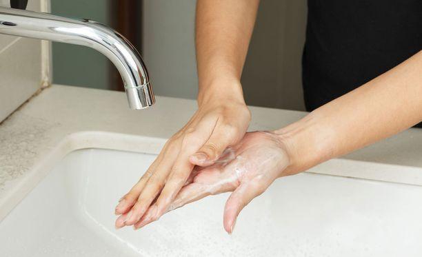Suomalaisista 42 prosenttia jättää tämän tekemättä vessakäynnin jälkeen.