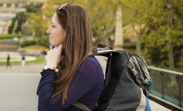 Reppureissaajan kannattaa pakata mukaansa pilli ja taskulamppu, sekä tallentaa kännykkään turvanumero.