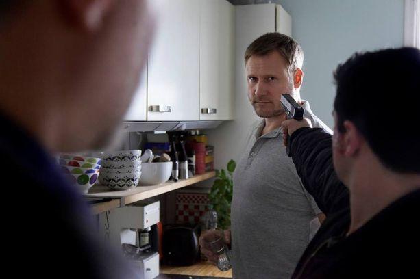 Samuli Edelmann palaa Viktor Kärpän rooliin helmikuussa ensi-iltansa saavassa Lauri Nurksen ohjaamassa kotimaisessa elokuvassa Tappajan näköinen mies.