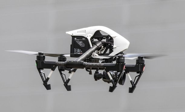 Lennokkeja eli drone käytetään esimerkiksi sähkölinjojen, tuulivoimaloiden, kattojen ja siltojen tarkastamiseen, eläinkantojen muutosten tutkimiseen ja tavaroiden kuljettamiseen.