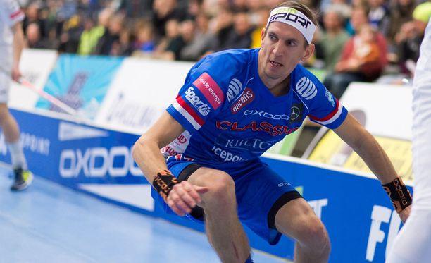 Tiistaina tositoimiin päässyt Jarkko Nieminen kärsi koko syksyn piinaavasta loukkaantumisesta.