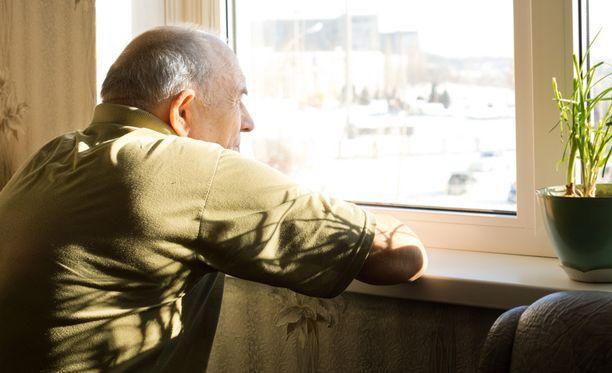 Tutkimuksen mukaan muisti- ja ajattelutoimintojen heikkenemistä voidaan selkeästi vähentää, jos ihminen saa tehostettua elintapaneuvontaa.