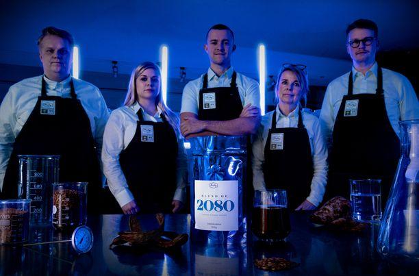 Blend 2080 kahvia olivat kehittämässä Paulig Barista Instituten kouluttaja Jori Korhonen, kahvien tuotekehityksestä Annina Hildén, australialainen kansainvälisesti tunnettu kahvivaikuttaja Matt Perger, päämaistaja Marja Touri ja Paulig Kulman paahtaja Tomi Nieminen.
