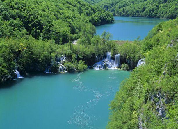 Plitvicen kansallispuisto kuuluu Unescon maailmanperintökohteisiin.