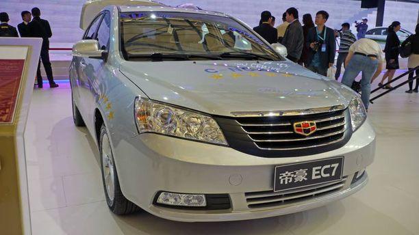 Iltalehti bongasi Kiinan C-NCAP - viidellä testitähdellä teipatun Geely Emgrand EC7 Shanghain autonäyttelystä viime kevään. Nyt sama auto sai Euroopassa 4 tähteä.