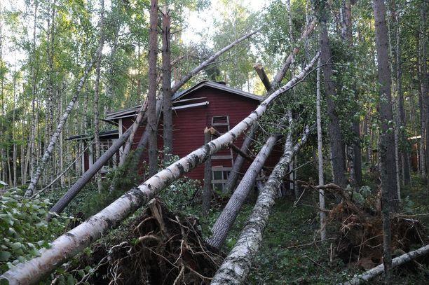 Vuonna 2010 Asta-myrsky aiheutti 20 miljoonan euron vahingot.