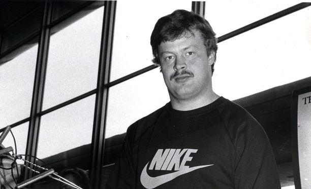 Missä lajissa Juha Tiainen otti olympiakultaa?