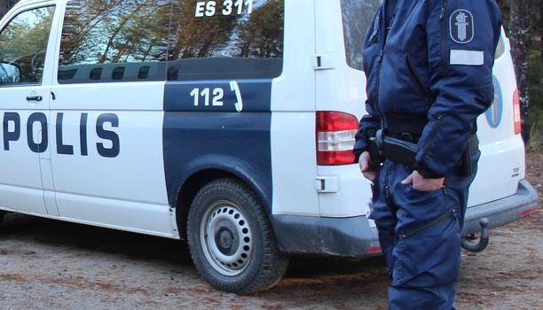 Keskustan tavoitteena on saada poliisi joka pitäjään 50 miljoonalla eurolla.