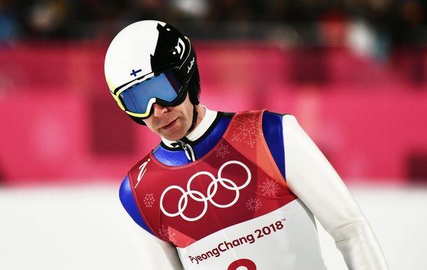Seitsemänsissä olympialaisissaan kilpaileva Janne Ahonen hyppäsi suurmäen toisella kierroksella.