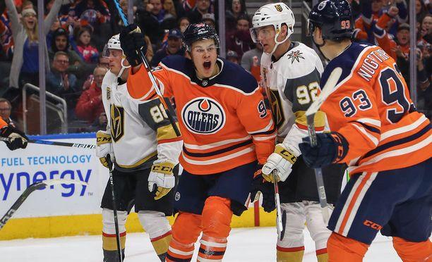 Edmonton Oilersissa paikkaansa vakiinnuttava Jesse Puljujärvi on kova luu maalin edessä.