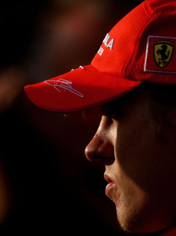 Kimi Räikkönen avautuu harvinaisen rankasti kotisivuillaan.