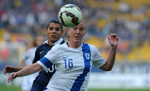 Anna Westerlund joutui yllättäen sivuun Helmareiden puolustuksesta Israel-ottelussa. Arkistokuva.