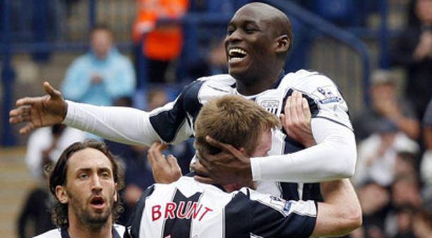 West Bromwichin Marc-Antoine Fortune (oik.) oli joukkueensa sankari kahdella maalillaan Wigania vastaan.