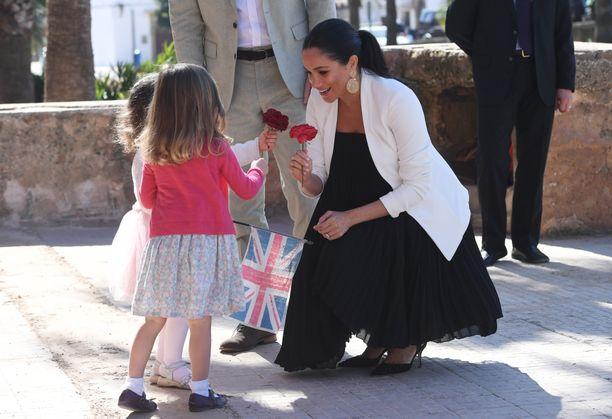 Vauvakutsuilta palattuaan Meghan suuntasi liki saman tien prinssi Harryn kanssa työmatkalle Marokkoon.