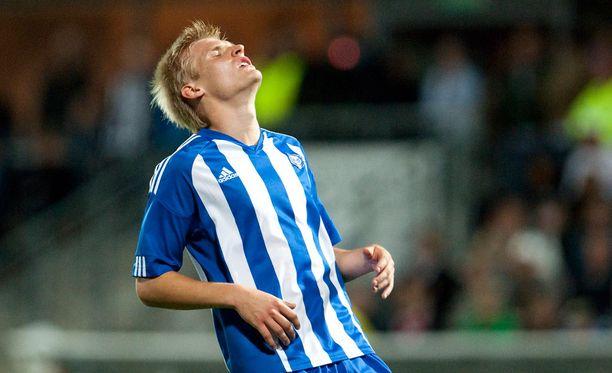 HJK:n Juhani Ojala kohtasi Besiktasin Eurooppa-liigan karsinnassa 2010. HJK punnitsee torstaina Krasnodarin.