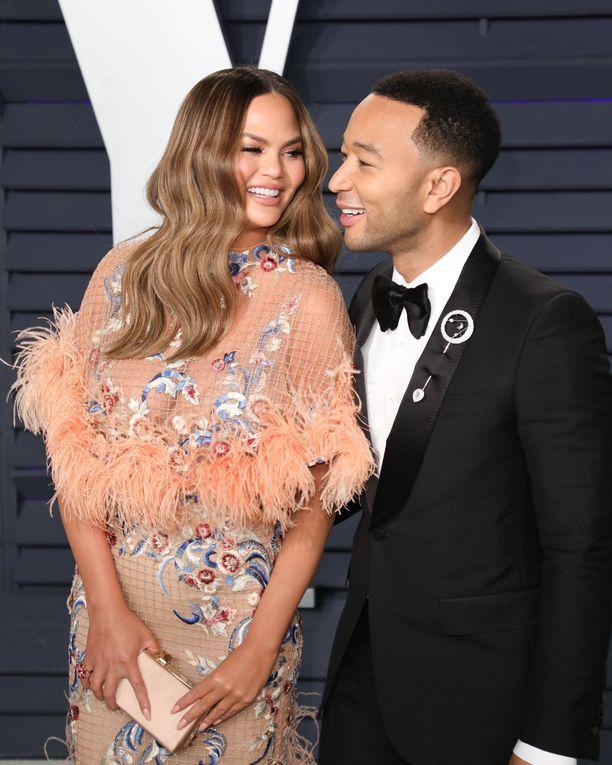 Chrissy Teigen on naimisissa laulaja John Legendin kanssa.