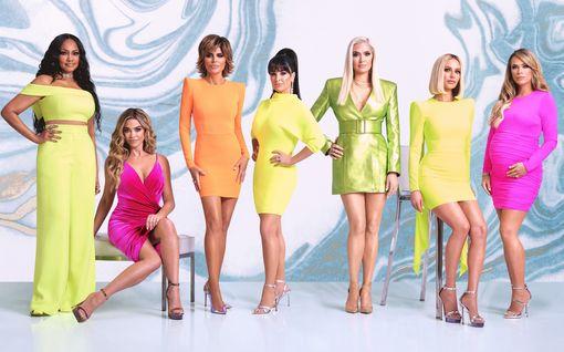 Beverly Hillsin täydellisten naisten kulisseissa kuohuu: Yksi sai kenkää, toinen ei suostu jatkamaan