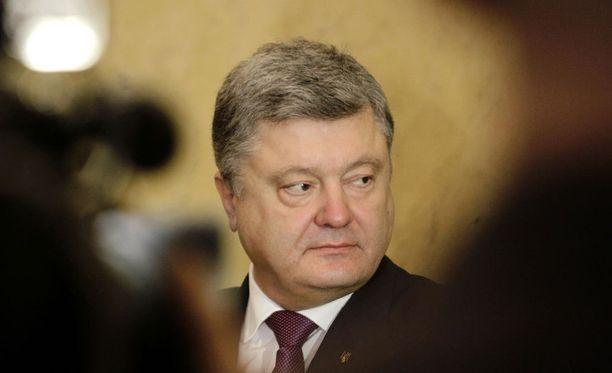 Ukrainan presidentti Petro Poroshenko vieraili maanantaina Virossa.